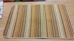 Tappeto Antiscivolo 50 x 80 cm Lato superiore: 35% ciniglia + 43% poliestere + 12% cotone + 10% altre fibre Lato inferiore: PVC